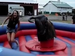 Bull ride uncovers the girl's pussy