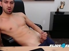 Hot Handsome Athletic Dude Cums On His Smooth Body