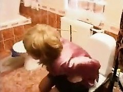 Mommy catches son jerking in bath