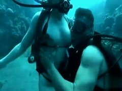 Inventive sex in the ocean with a scuba diving beauty