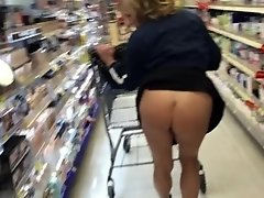 TANNED BUBBLE BUTT MILF XMAS SHOPPING FLASHING WALMART
