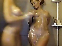 lesbian bathroom show