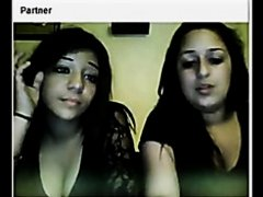 Chatroulette teens flash their tits