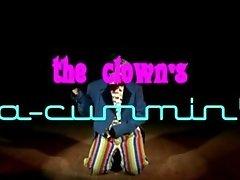 The clown's a cummin