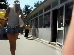 Superbly short skirt stalked in the crowd